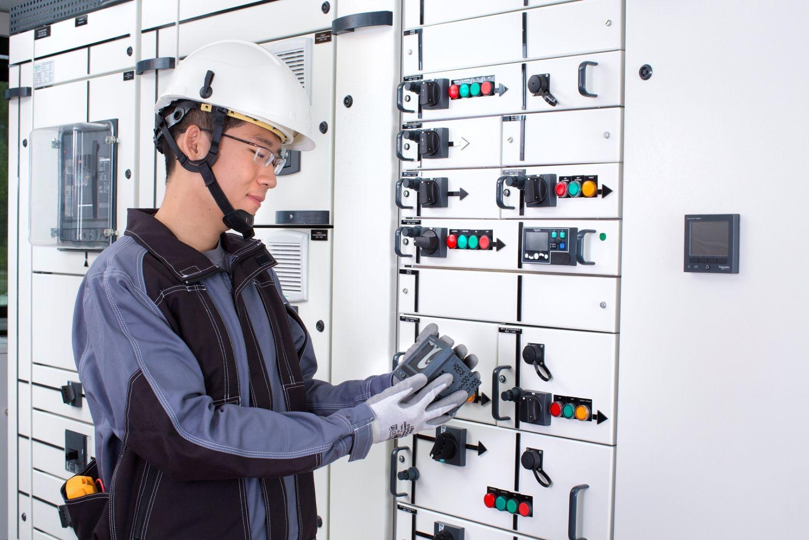 Hướng dẫn lắp đặt tủ điện công nghiệp đúng cách - Thiết bị điện ...